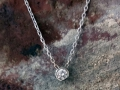 Halsband 5 - Infällt diamanthänge i vitguld