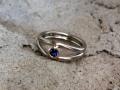 Ring 13 - Vitguldsring med rödguld och blå safir